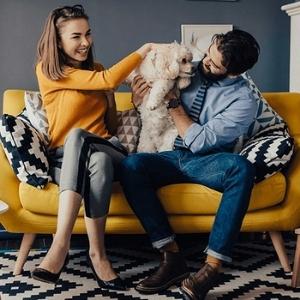 happy_dog_and_family